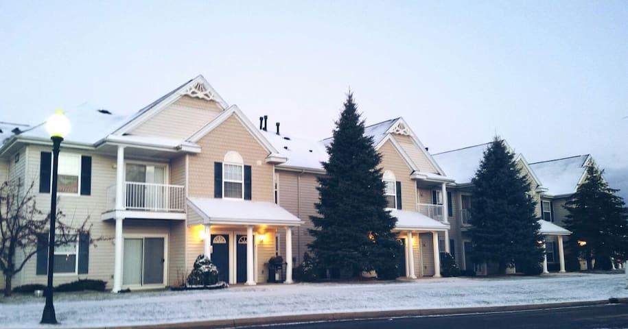 Cozy Apartment - Lansing - Appartement