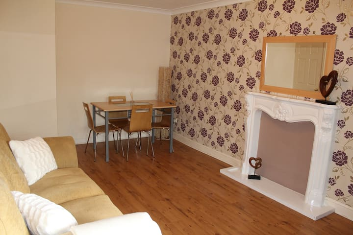 Boswell Apartment - Balcony with 2 Bedrooms - Doncaster - Apartemen