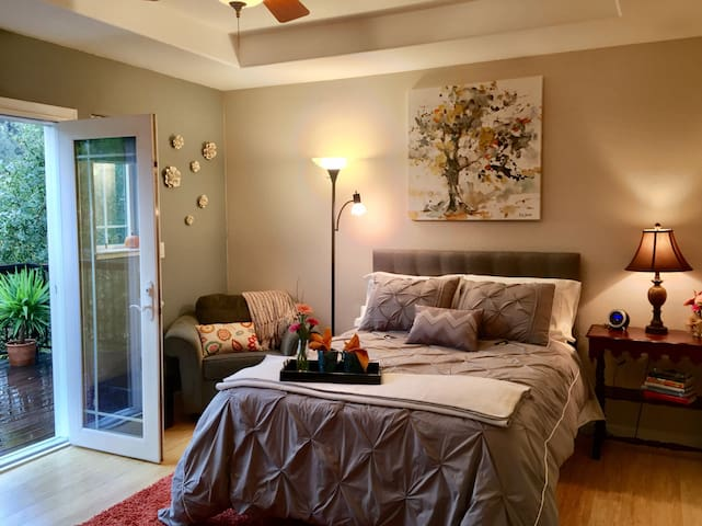 Delightful & bright. Close to town! - Placerville - Haus