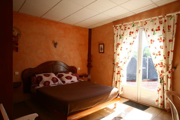 l'Echelle chambre toscane - Saint Benoit - Casa
