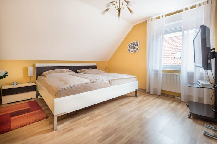House with 3 rooms in Sarstedt for Hannover Messe. - Sarstedt - Rumah