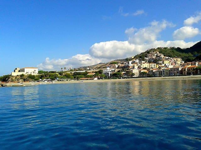 Apartment 10 meters from the sea - Cittadella del Capo - Daire
