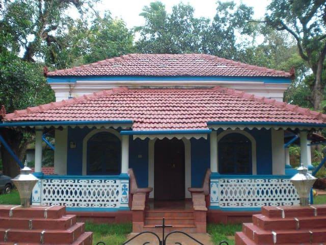 Charming Villa with garden in Corjuem, North Goa. - Aldona - Talo