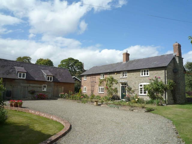 Lower House Farm - Shropshire - Bed & Breakfast