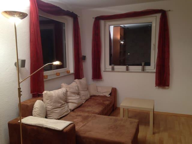 Zimmer mit Küche und Bad in Einfamilienhaus - Neuberg - Huis