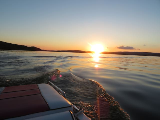 Peace and fun on Lake Wisconsin! - Lodi - Hus