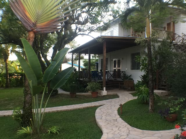 SeaGarden, facing the Caribbean Sea - Punta Gorda - Departamento