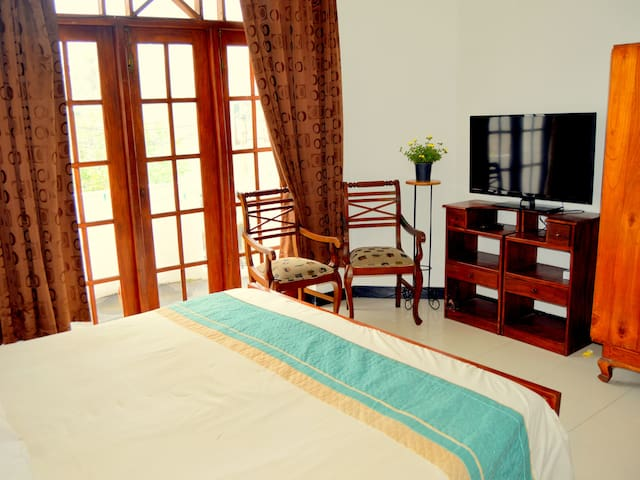 Home Stay Colombo - Spacious Bedroom - Sri Jayawardenepura Kotte - Maison