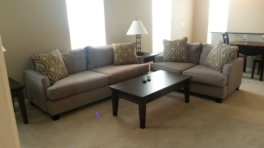 Hotel ALTERNATIVE ~ Furnished + COZY! No hassle! - Columbus - Appartement