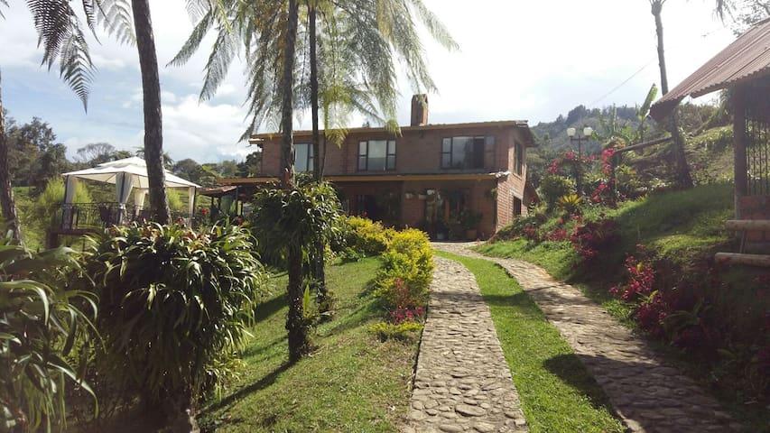 Finca La Milagrosa - Rionegro - Rumah