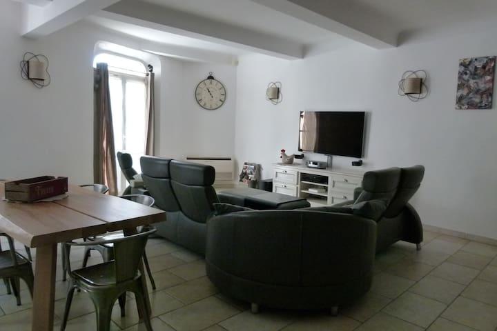 maison de village spacieuse - Oraison - Apartamento
