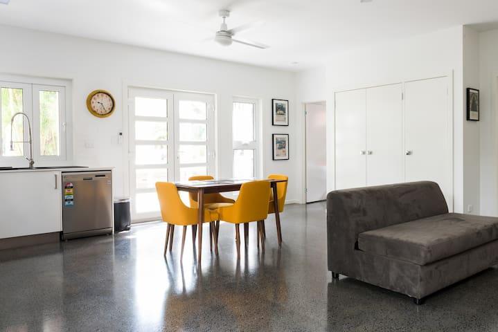 Awesome Apartment in Aspley - Aspley - Hus