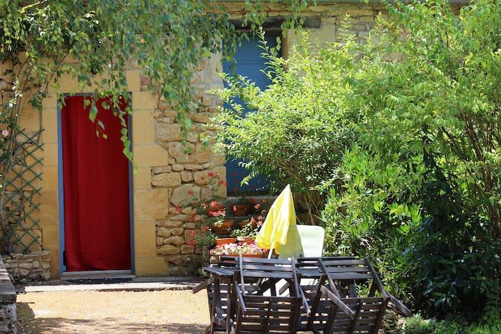 Chambre d'hôtes/ Gîte - route de Sarlat-Périgord. - Badefols-sur-Dordogne - Vendégház