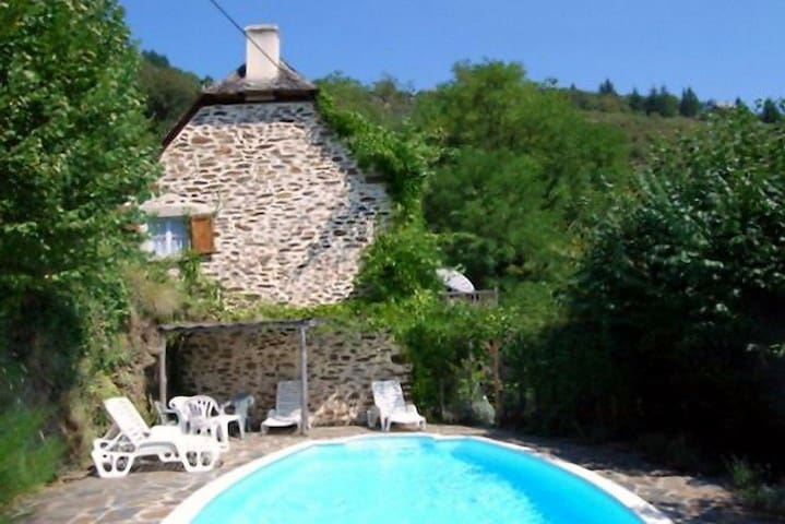 Lovely renovated stone cottage & private pool - Le Fel - Talo
