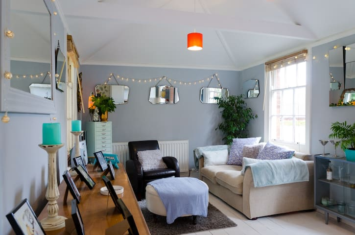 Victorian double bedroom - Crediton - Lägenhet