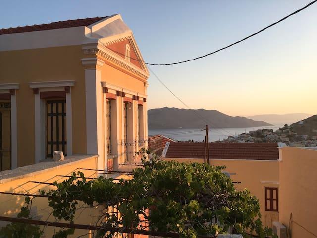 Private & Serene- Astounding Views at Prokos House - Ano Symi