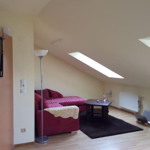 Gemütliche Dachgeschosswohnung - Bad Bramstedt - Lägenhet