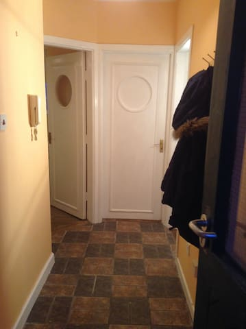 Town Centre 2 Bed Apartment In Ennis - Ennis