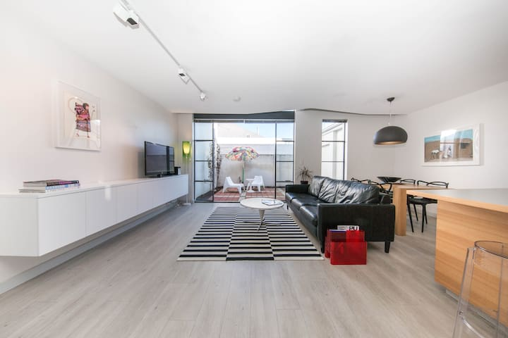 STYLE STAYS - INNER CITY-free WIFI - Wembley - Daire