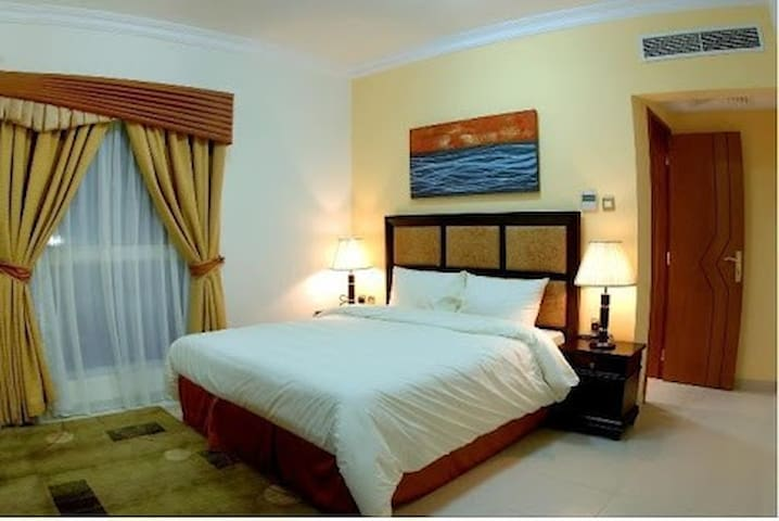Fully furnished & Spacious Room for Rent - Doha - Appartement
