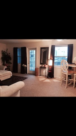 Private bedroom close to downtown - Halifax - Wohnung