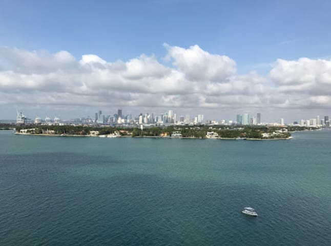 Amazing South Beach water view in condo compound! - Miami Beach - Appartement
