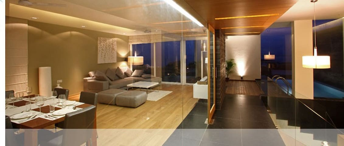 Luxurious Waterfront Condo in Goa!! - Holy Cross Colony - Selveierleilighet
