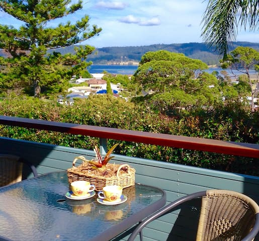 LOCATION LOCATION! - WATER VIEWS - SUNNY APARTMENT - Narooma - Appartement