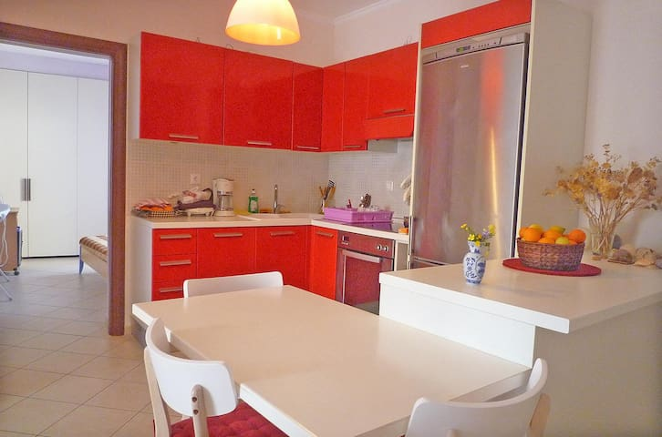 Bright apartment full equipped with large balcony - Nafplio - Appartement