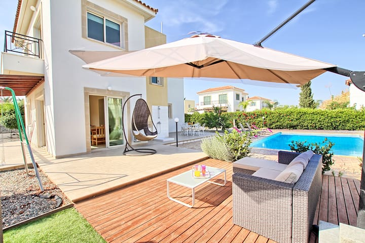 3 Bedrooms Big swimming Pool and Garden - Ayia Napa - Maison