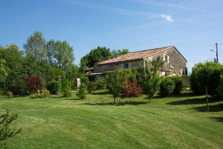 La grange de Bellefontaine- gîte - Bellefond - Ev
