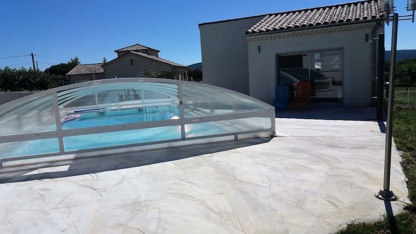 maisonette de 32 m carré ,F2 avec piscine - Saint-Étienne-de-Fontbellon - Rumah
