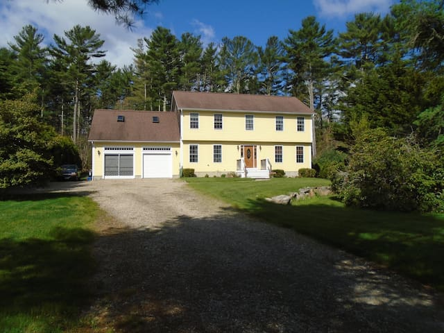Fabulous 4 Bedroom Home in a Quaint Seaside Town, - Marion - House