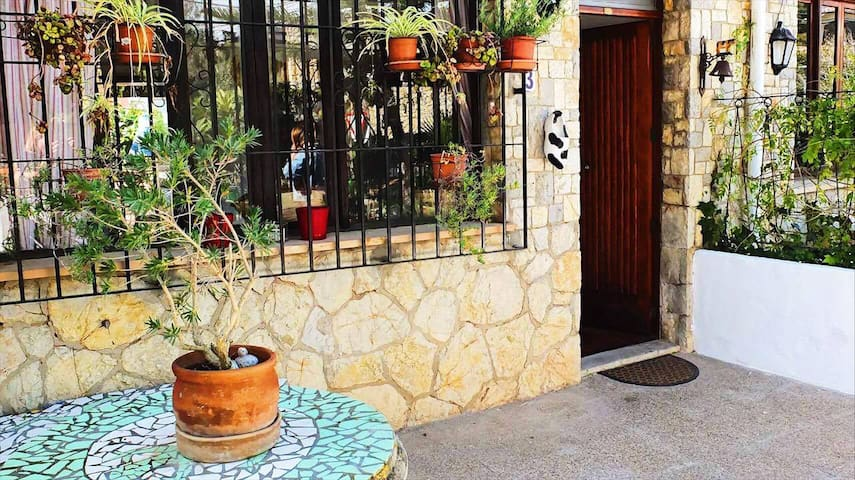 Beautiful Mallorcan family home in Palmanova - Palmanova - Ev