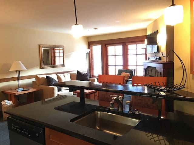 Slope Side 1 Bd/Den- Squaw Valley - Olympic Valley - Apartament