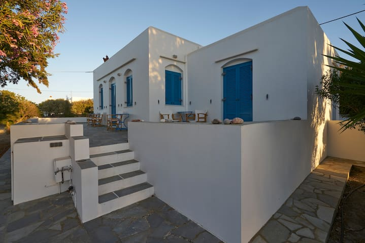 Guest Room in Exambela Sifnos - Kato Petali - Ev