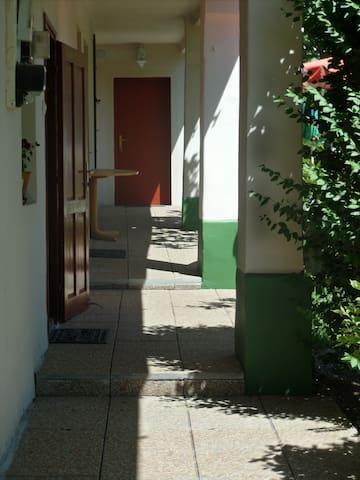 Főnix vendégház - Будапешт - Гостевой дом