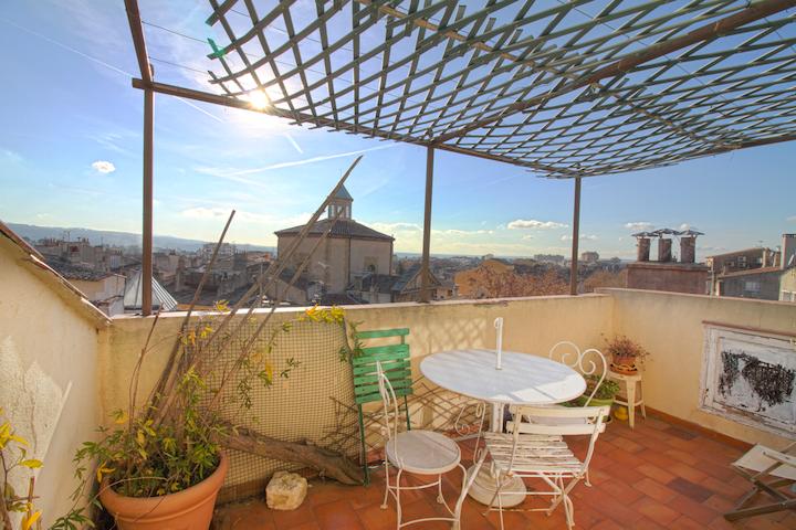 Appartement T2 avec TERRASSE en plein centre d'Aix - Aix-en-Provence - Leilighet