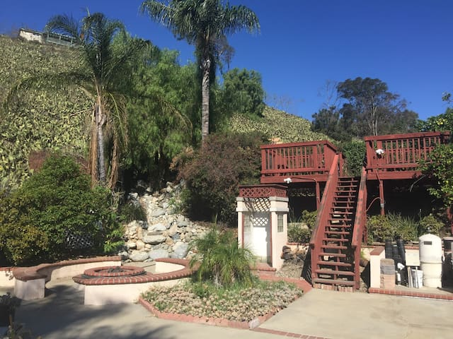 Private Room with many amenities - Pomona
