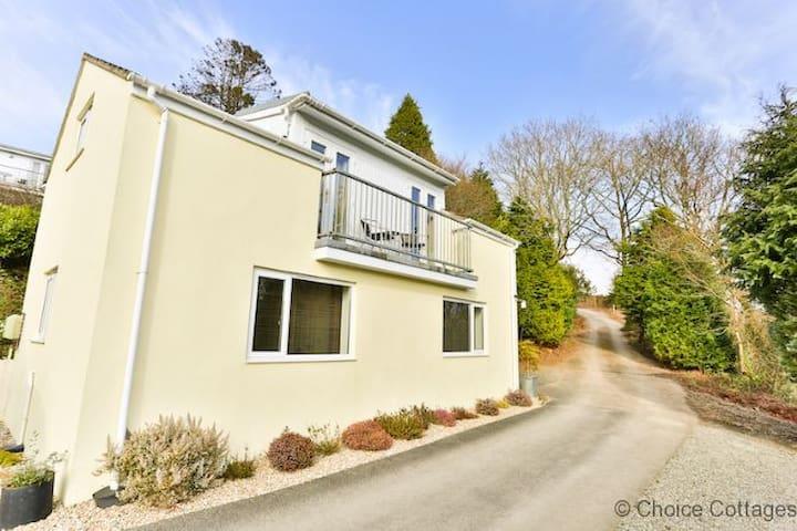 WINDERMERE LODGE | 2 Bedrooms - High Bickington
