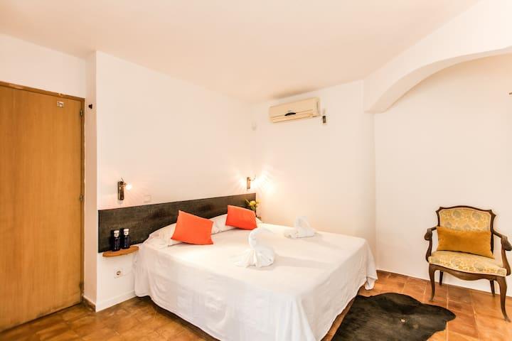 room in a wonderful villa sea view B - Sant Joan de Labritja