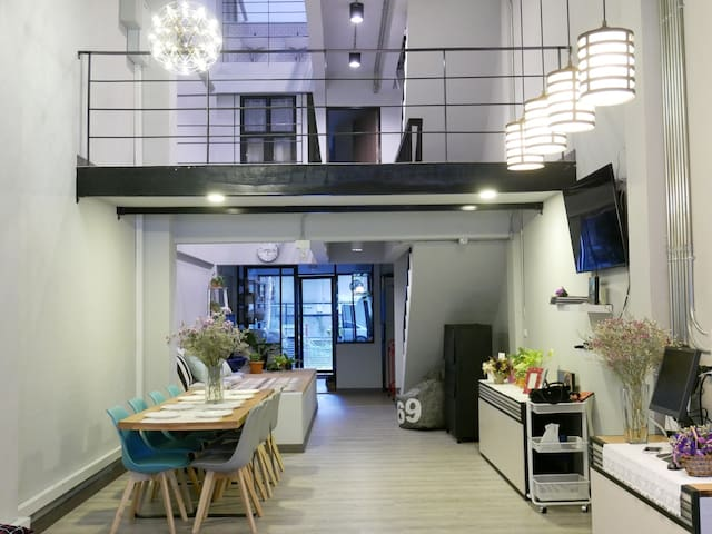 Comfy private room downtown (Sleeps 4) - Chiang Mai - Pensione