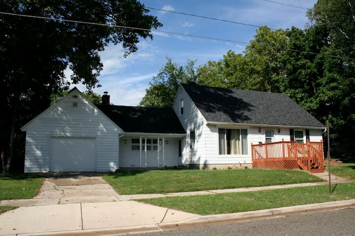 Charming Private Apartment, close to downtown - Grand Rapids - Ev