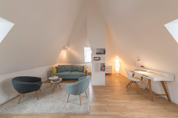 Ruhige Maisonette-Wohnung in Top-Lage - Regensburg - Byt