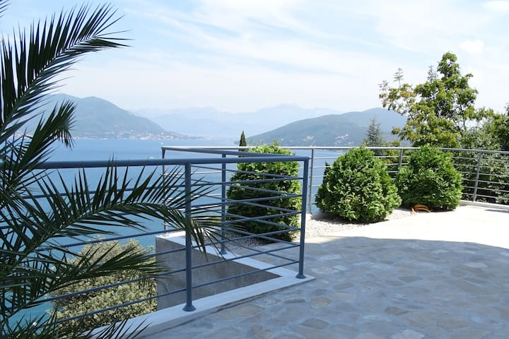 Montenegro Holiday Apartment (no 4) - Njivice