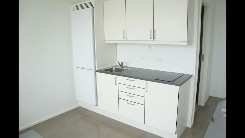 Modern flat by lake -center of town - slagelse - Appartement