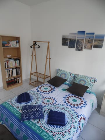 PRIVATE ROOM next to the city center of Saintes - Saintes - Appartement