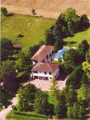 Luxury Gîte for 4 with Private Pool - Saint-Séverin - Lägenhet