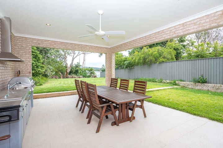 Large 6 room Luxury Mansion in Dee Why - Dee Why - Maison