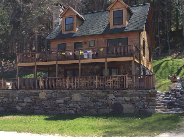 River Bend Country Home - West Cornwall - Casa